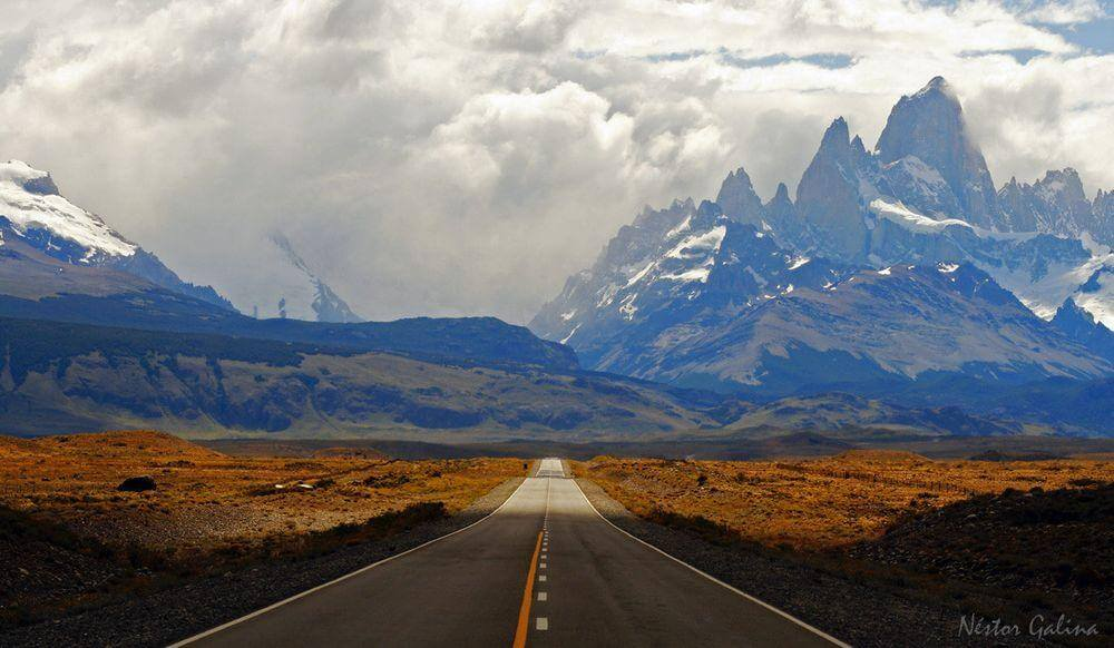 アルゼンチンのパタゴニアから見るフィッツロイ山