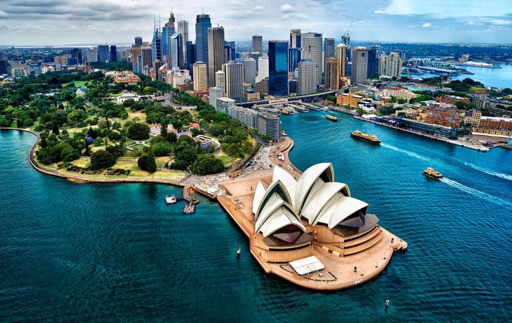 オーストラリアの首都シドニーにあるオペラハウス