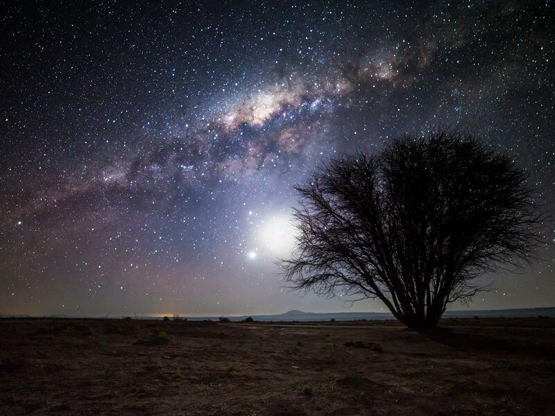 チリ北部のアタカマ砂漠で見る綺麗な星空