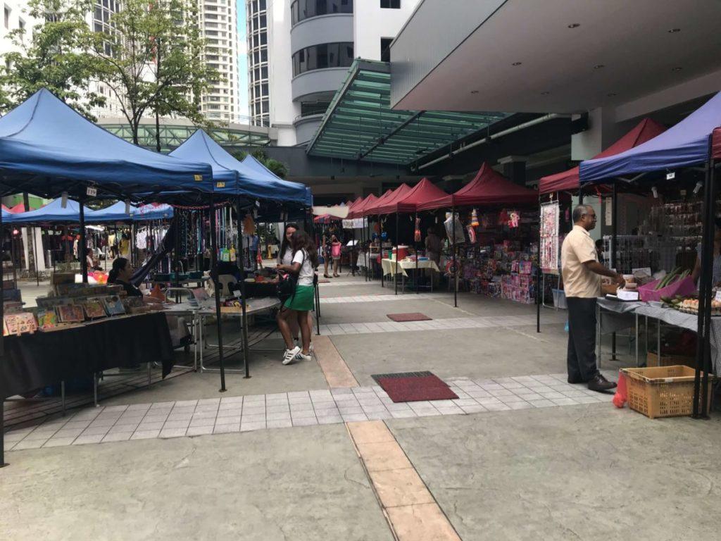 プラザモントキアラ(Plaza Mont Kiara)のマーケットの様子
