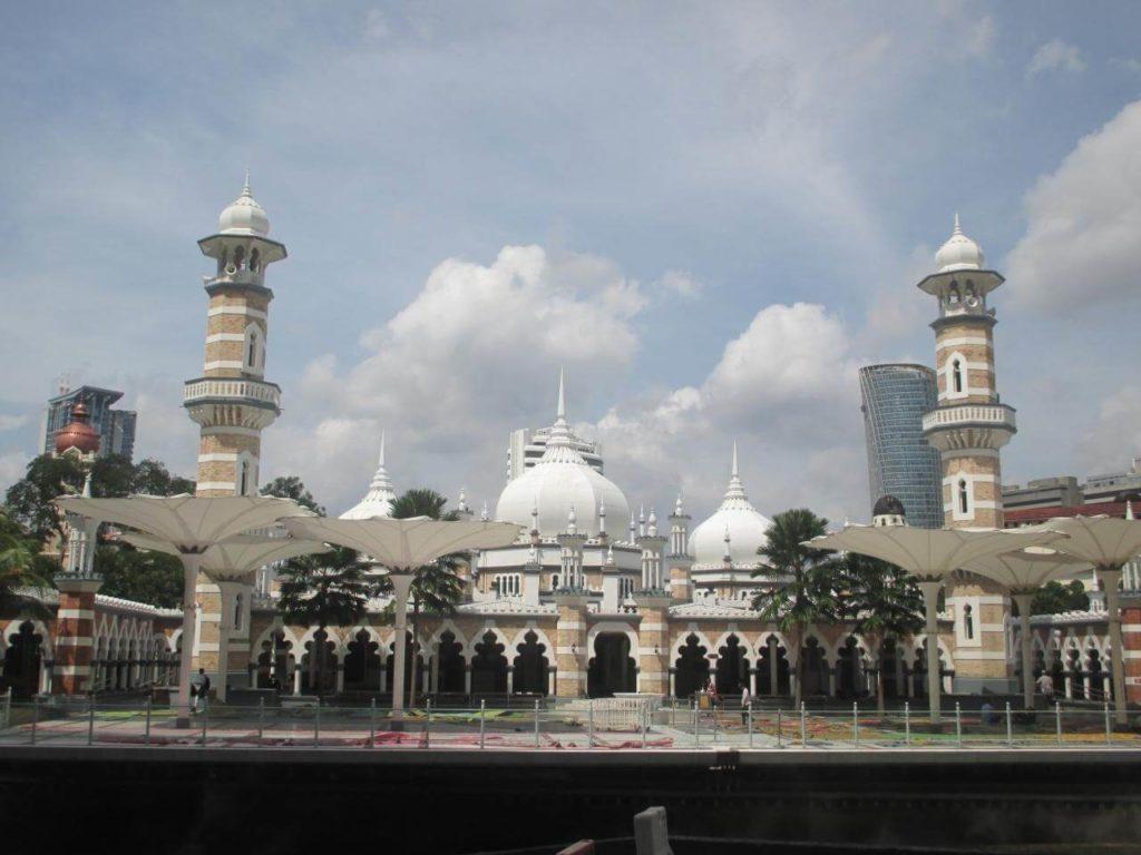 クアラルンプール最古のモスク「マスジッド・ジャメ・スルタン・アブドゥル・サマド(Masjid Jamek Sultan Abdul Samad)」の外観